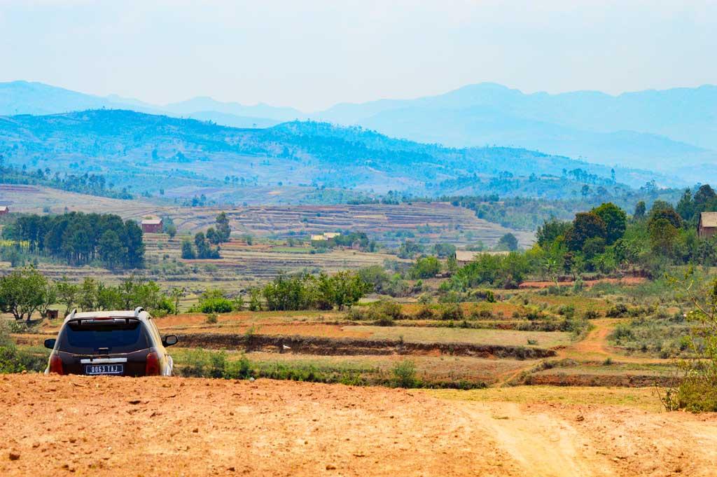Entreprendre une randonnée sur les montagnes de l'Ankaratra