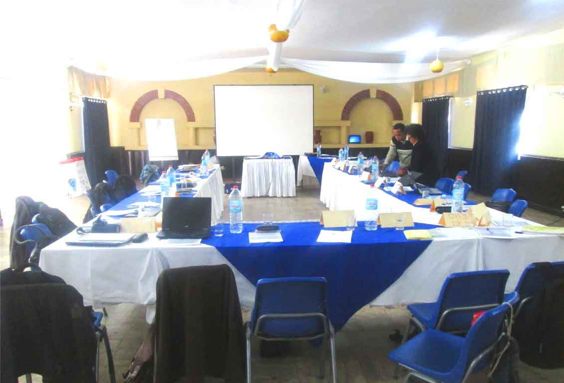 La grande salle en configuration « Séminaire en U »