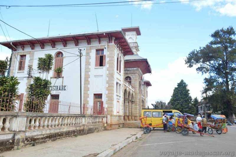 Antsirabe: La ville des pousse-pousse