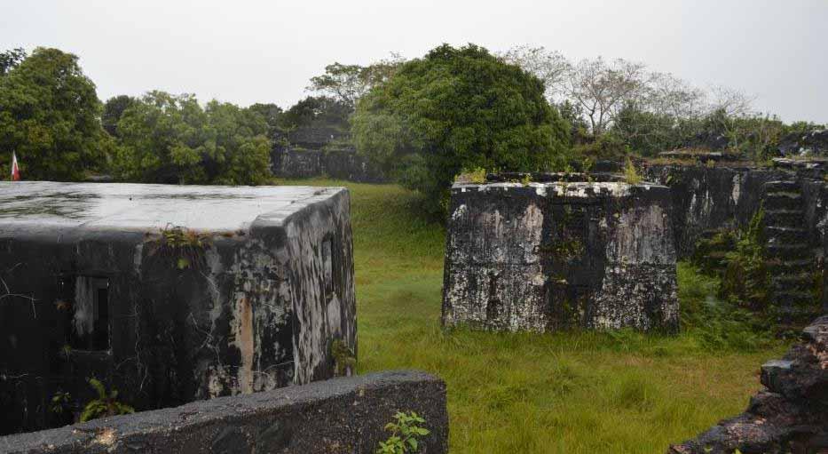 Manda-Fort: grand fort destiné à renforcer la défense contre toute attaque navale