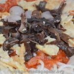 pates aux oeufs et aux champignons noirs