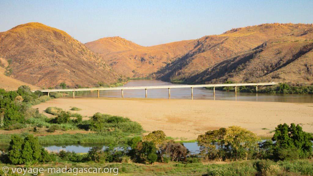 Paysage sur les les routes nationales de Madagascar