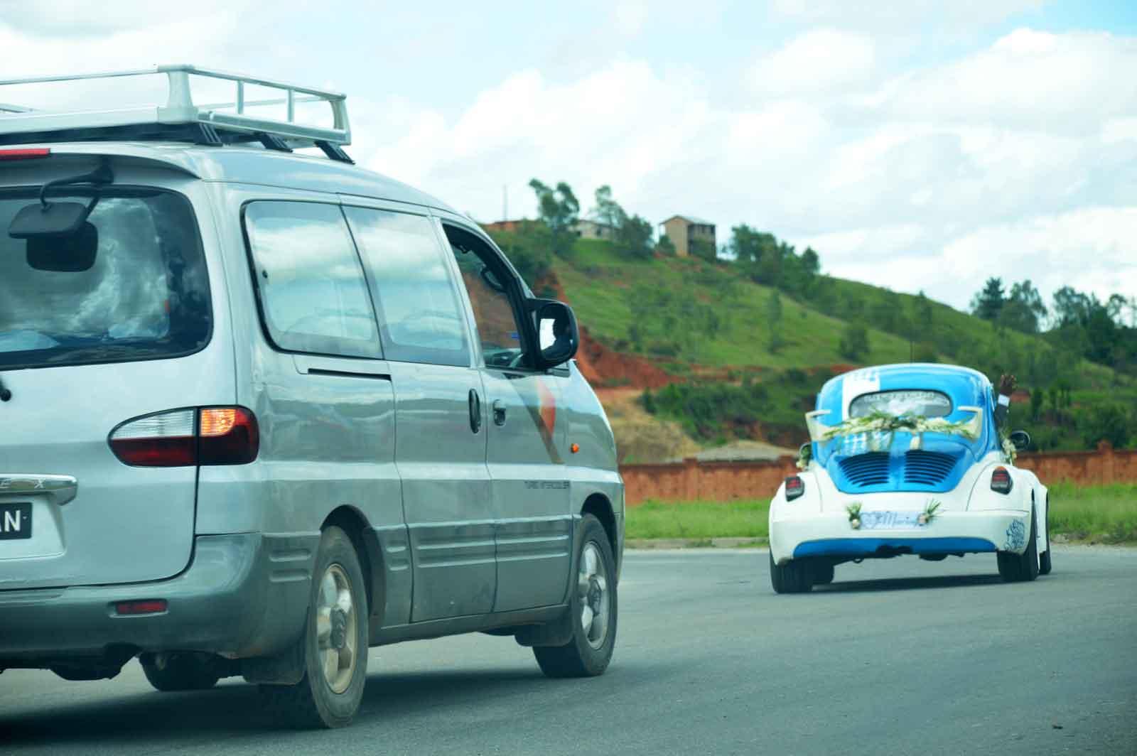 Roadtrip à Madagascar : deux modèles de véhicules différents