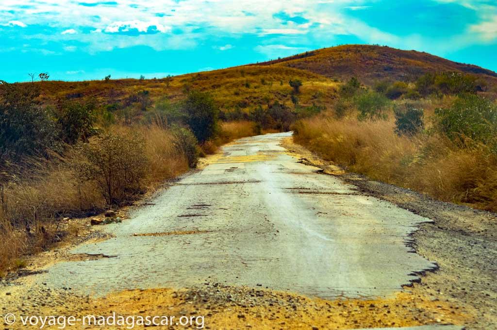 Image d'une route vers Miandrivazo Madagascar