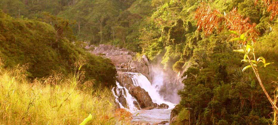 Cascade dans le nord de Madagascar