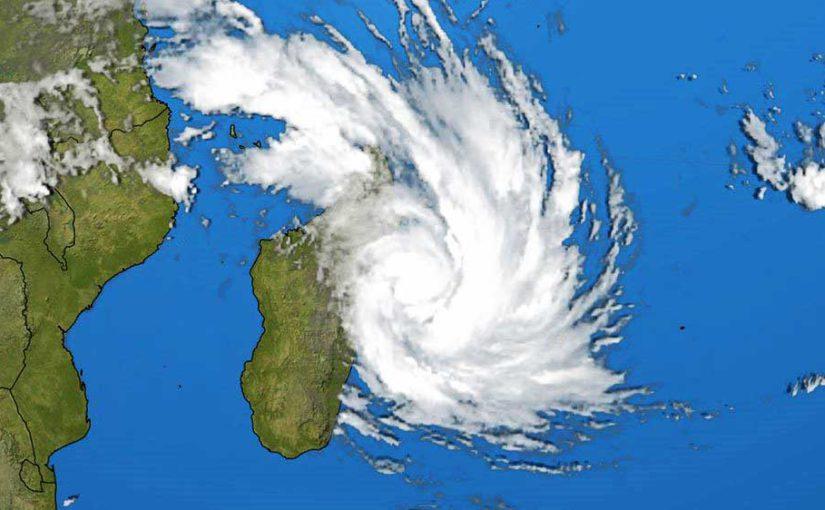 cyclone tropical Dumazile