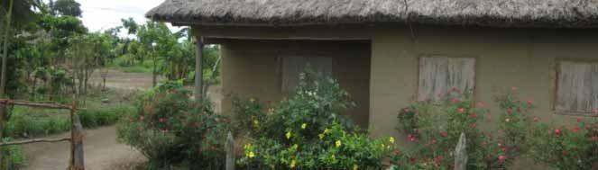 Vivre à Madagascar: voir une maisonnette sur la RN2