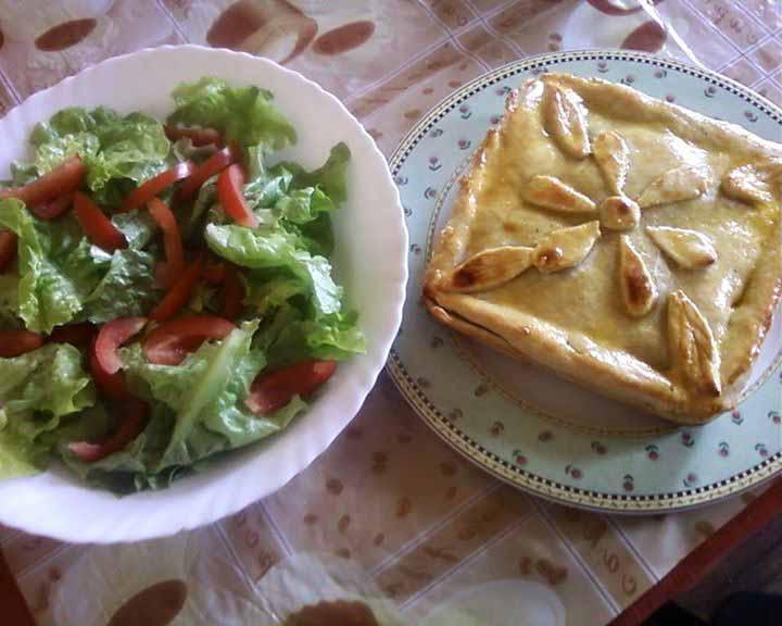 Salade et Tourte aux Courgettes