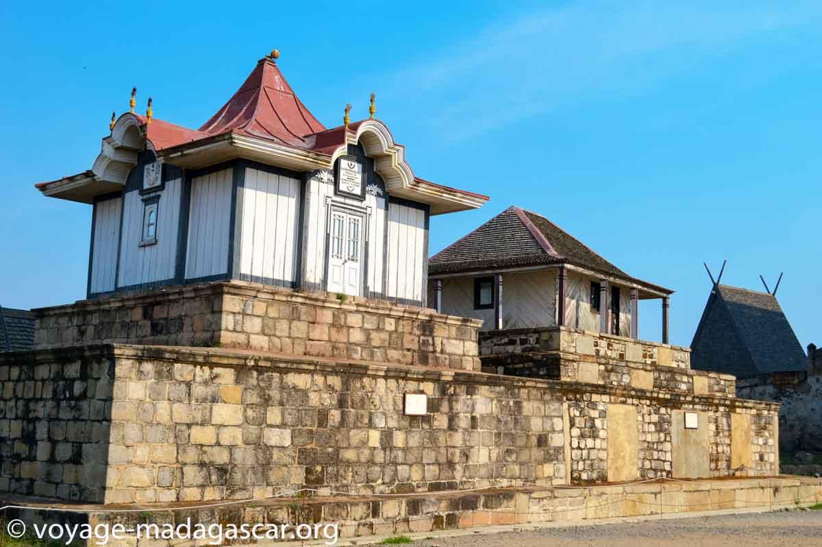 Tombe de la reine Rasoherina dans le Rova d'Antananarivo