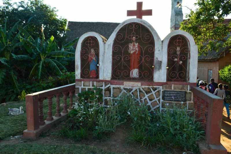 Statut de Jacques Berthieu à Ambohibemasoandro