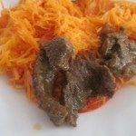 Viande steak et achards carotte